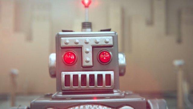 5d7b5ce8ff8e499152276c029d38e13a-idiots-a-tale-of-phones-and-robots1